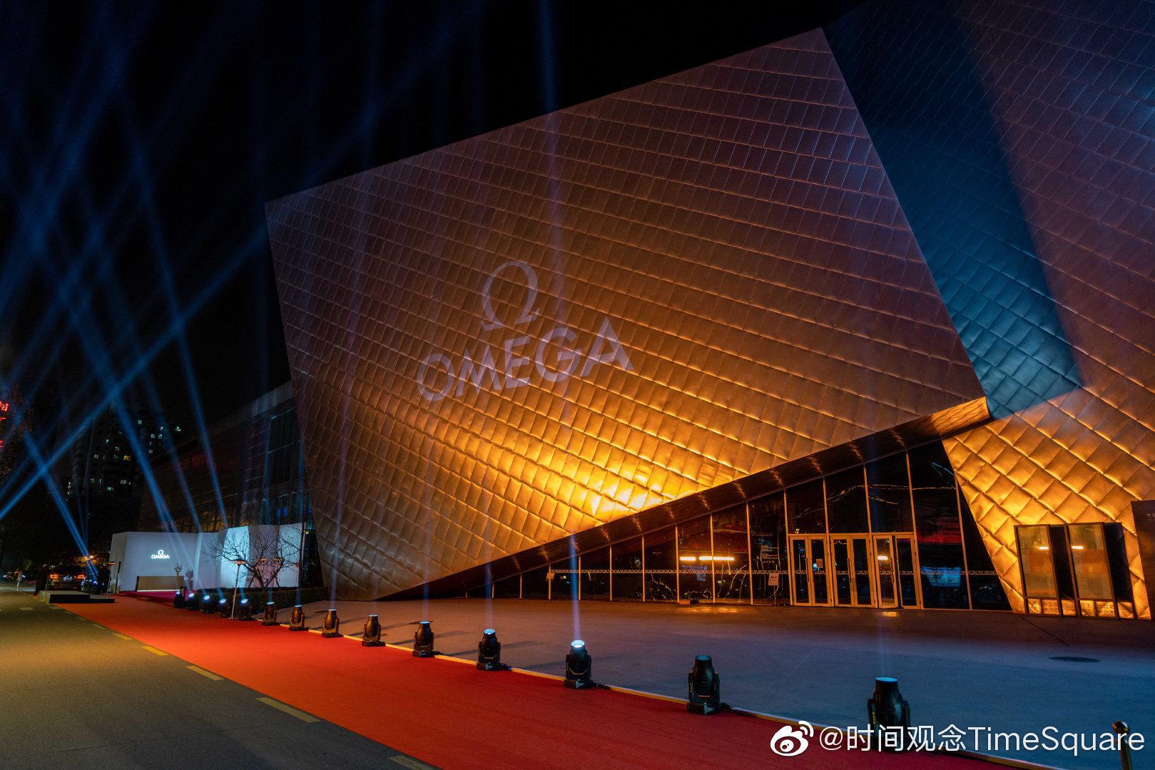 """近日,@欧米茄 于北京民生现代美术馆举行""""星耀之夜""""盛大晚宴……"""