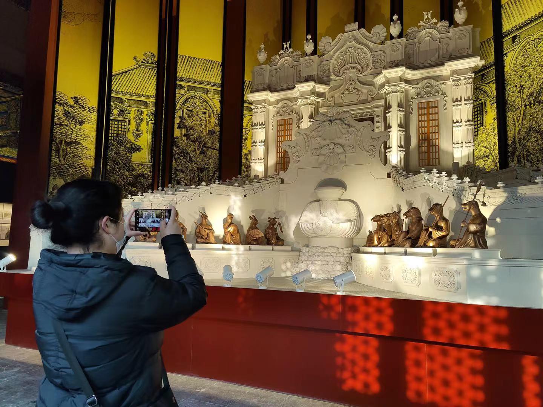 展厅展示的一座海晏堂模型。摄影/新京报记者 浦峰