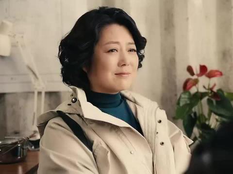 锦绣跟倪洪涛回到基地,劫后余生的惊喜,让俩人格外珍惜