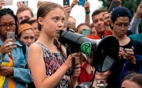 """瑞典女孩格雷塔:走在""""保护环境""""的前列,背后是铺张浪费的奢侈"""