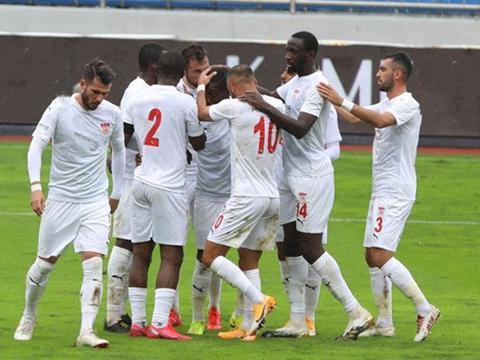 土超:锡瓦斯体育2连胜状态回暖,根克勒比利吉主力前锋染红