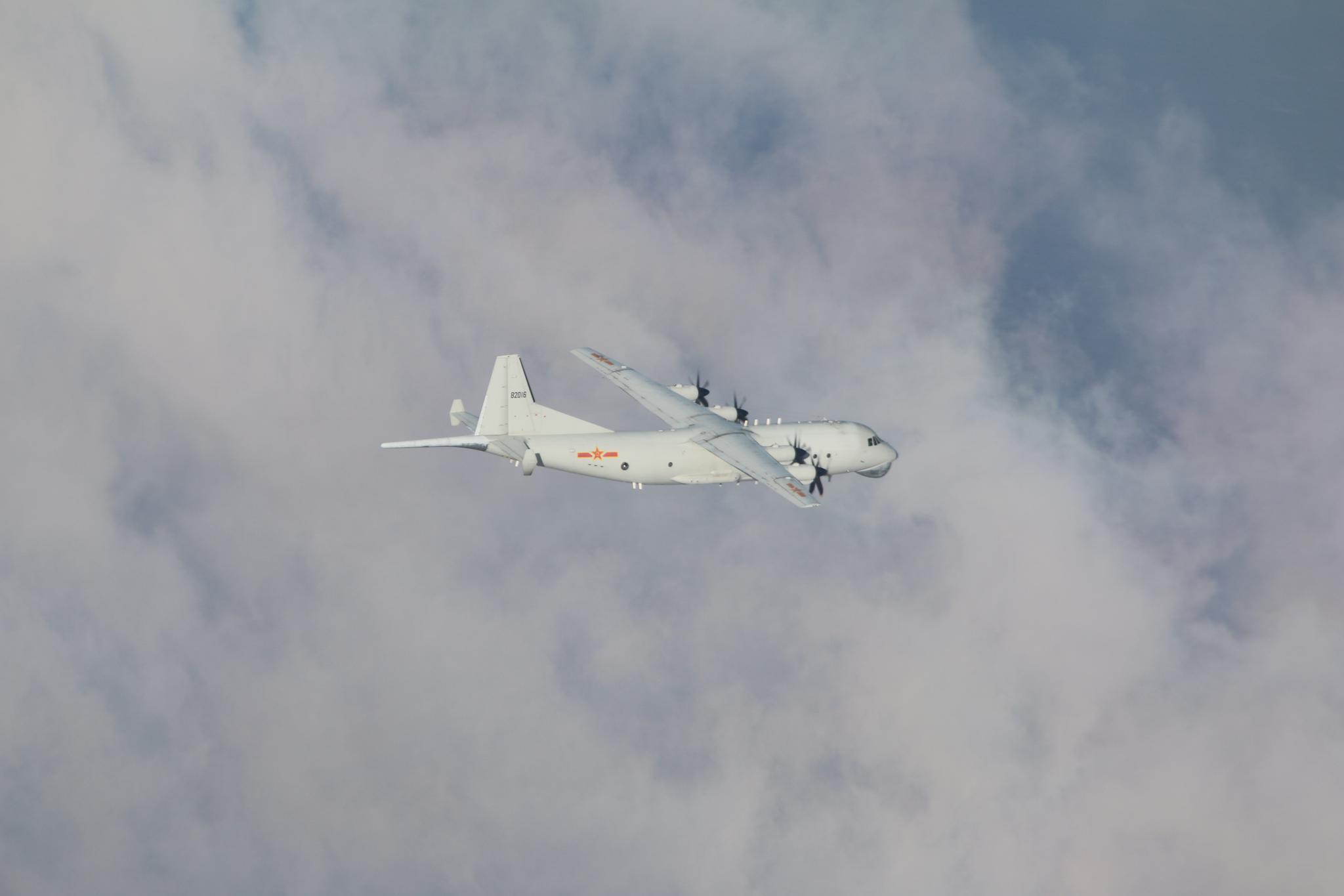 """台军:解放军2架军机进入台""""西南空域"""""""