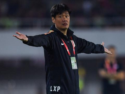 记者:卓尔有意邀李霄鹏 恒大目前最可能是傅博&王亮组合执教