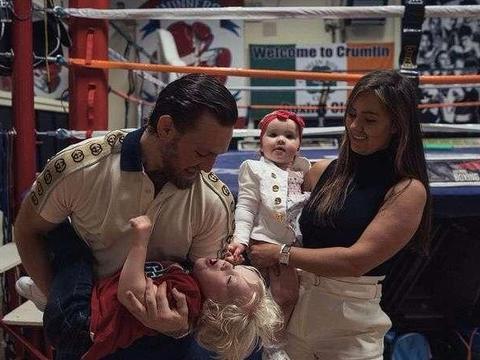 UFC巨星嘴炮公布未婚妻怀孕喜讯 贾斯汀-比伯送祝福