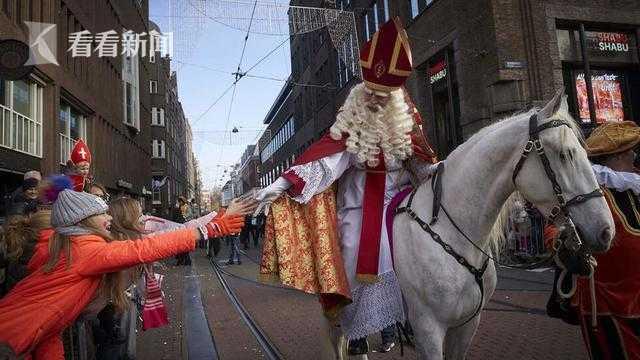 志愿者扮圣诞老人前往养老院 造成160人感染新冠