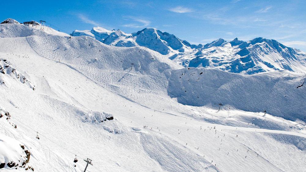 韦尔比耶位于阿尔卑斯山,受到英国游客青睐 图自:外交媒体