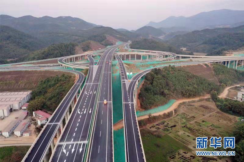 """粤西再添""""融湾""""纵线,怀阳高速开通"""