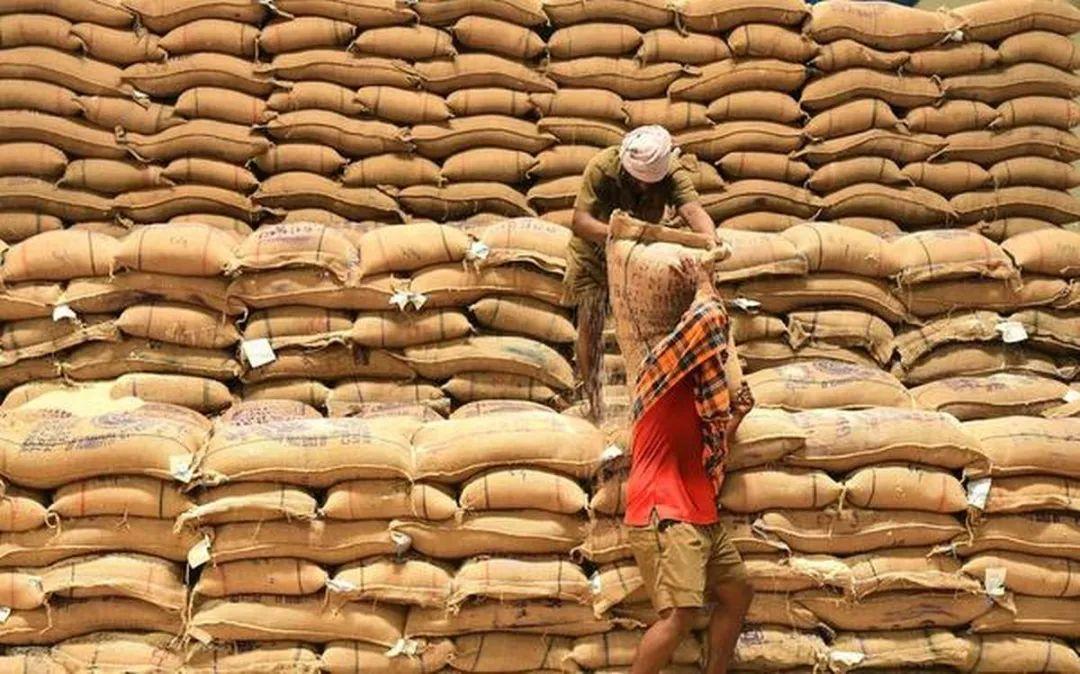 """时隔两年后中国再买印度大米 印度给了个""""打折""""价"""