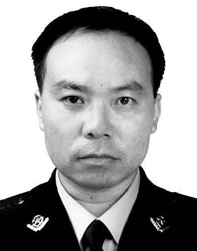 重庆市公安局政治部原主任蔡聘已被双开,收受18瓶高档白酒
