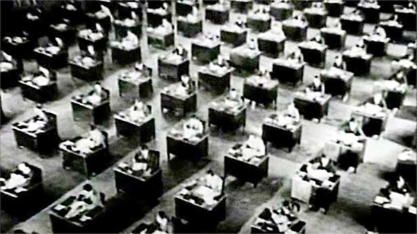 King Vidor导演的电影The Crowd剧照,1928 来源:sensesofcinema.com