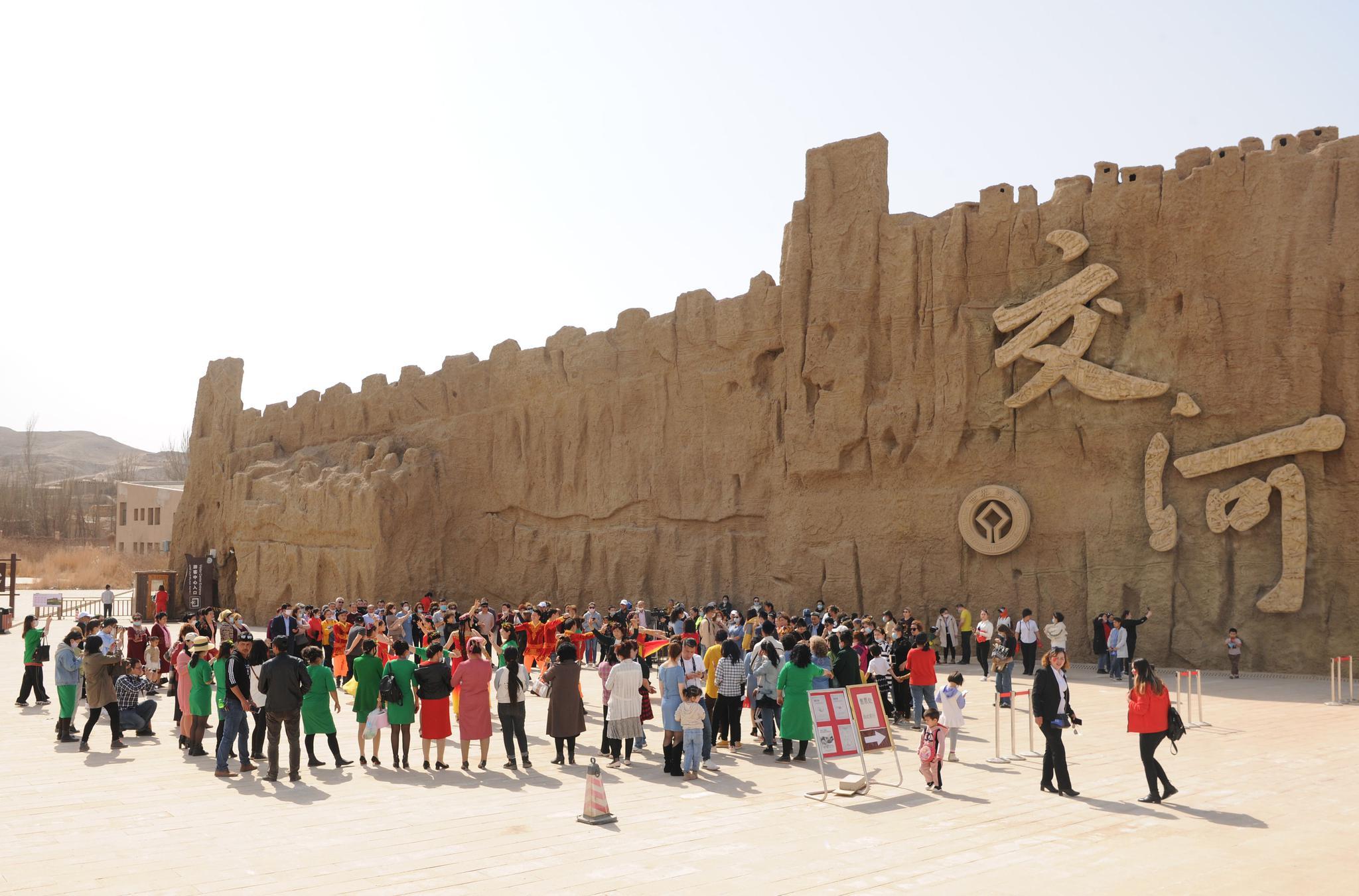 """吐鲁番迎来新疆旅游""""第一春"""",已有17家景区开放"""