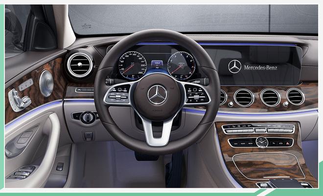 新款奔驰E级长轴距版上市 配置调整/42.98万起售