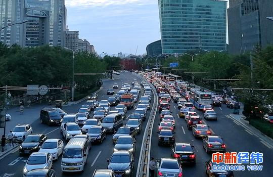 稳定和扩大汽车消费!三部委要求优化汽车限购措施