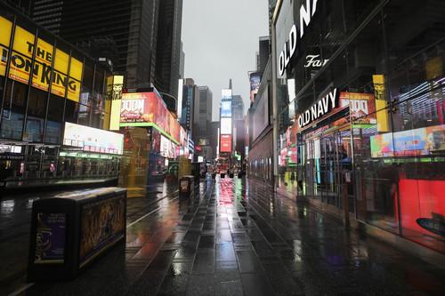 资料图片:这是3月23日下午拍摄的空荡荡的纽约时报广场。新华社记者 王迎 摄