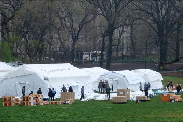 疫情趋缓纽约医院负荷量降 中央公园野战医院将撤