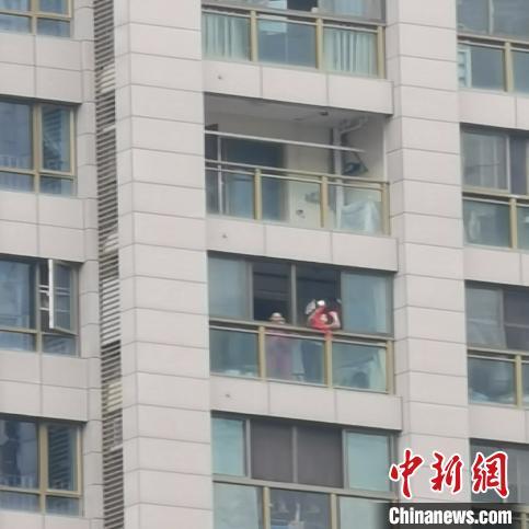 北京布意摆 并暂部体变