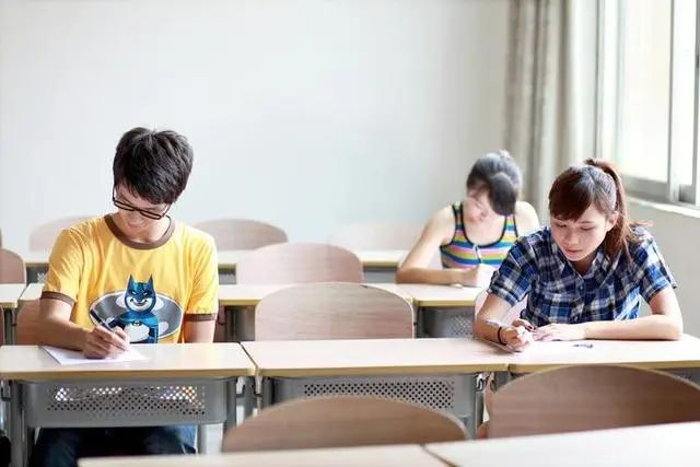 高考延期了 寒暑假会否缩短?教育部:由各地自主安排