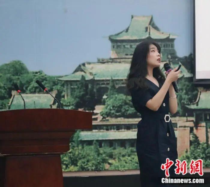 王琇琨此前在私塾进走演讲 受访者供图