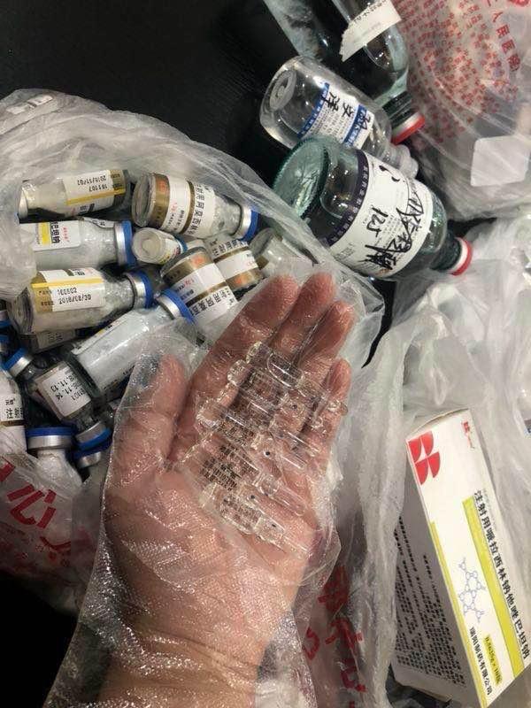 仳离前,刘云在家中发现大量药瓶,其中包括7支地塞米松。澎湃信息记者 陈雷柱 图