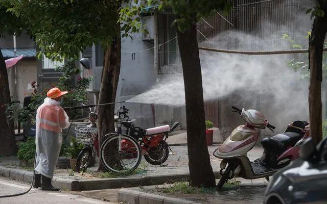 """武汉第二次""""大会战"""":全员核酸筛查,日均检测百万人"""