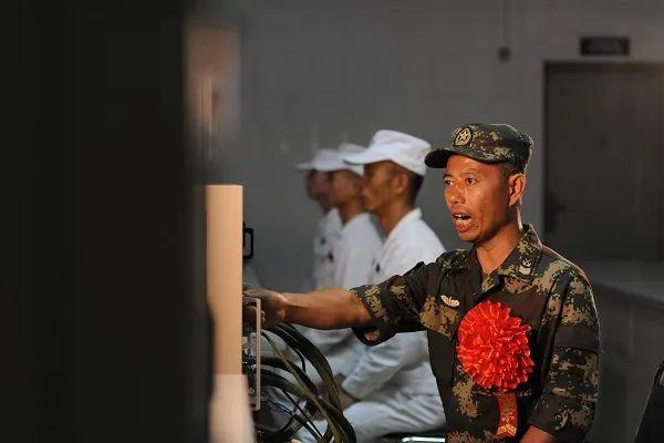 34年!这位安徽籍导弹兵王!正式退休!