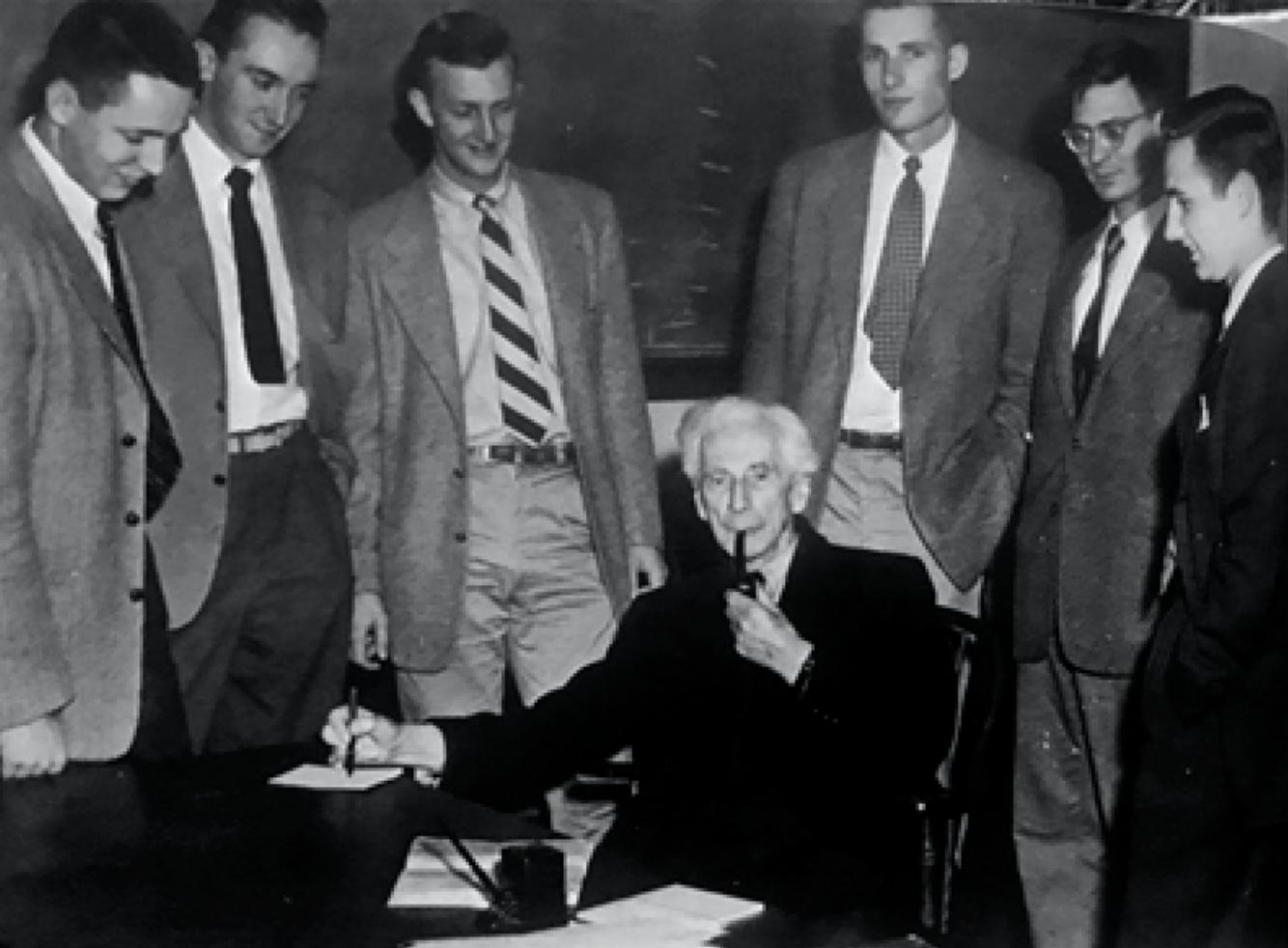 1950年,罗素在普林斯顿大学得知荣获诺贝尔奖后留影。