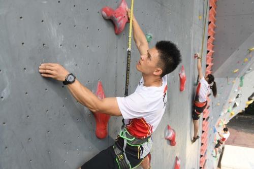 中国攀岩竞技程度在挑高,而陪同着攀岩入奥,也让攀岩这项行动在中国愈添走入大多的视线、备受迎接。