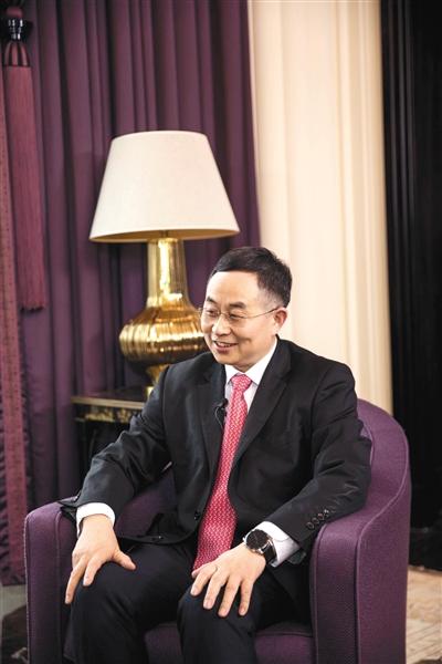 近日,全国政协委员、上海市公共卫生临床中心主任朱同玉接受新京报记者采访时表示,今年继续在公共卫生体系建设上出谋划策。受访者供图