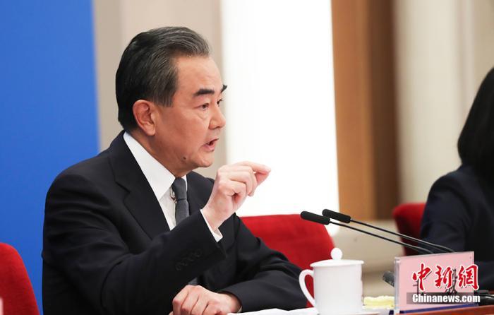 """王毅回应""""战狼外交""""之说:中国从不主动欺凌,但有原则有骨气"""