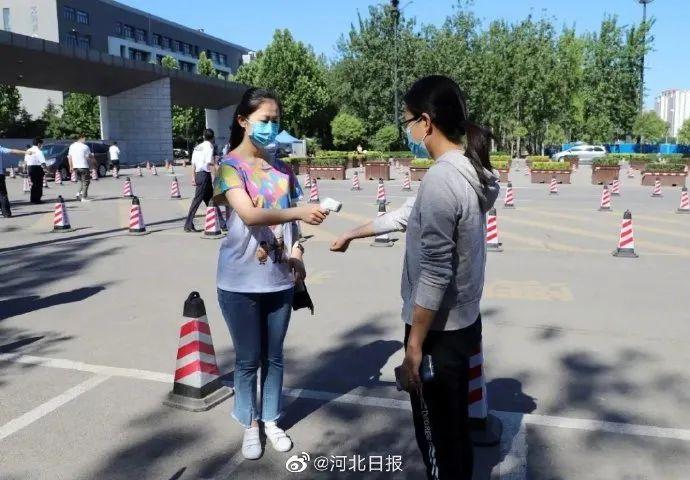 16岁河北女孩成功登顶珠峰丨女律师疑被亲生女儿按摩时勒死