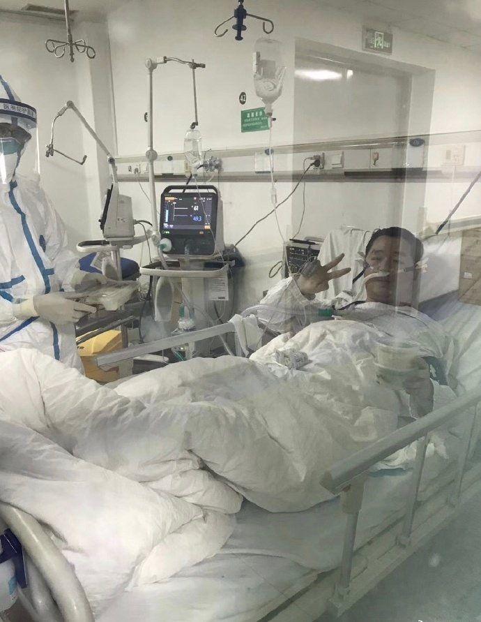 2月2日,彭银华在金银潭医院。图片来源网络