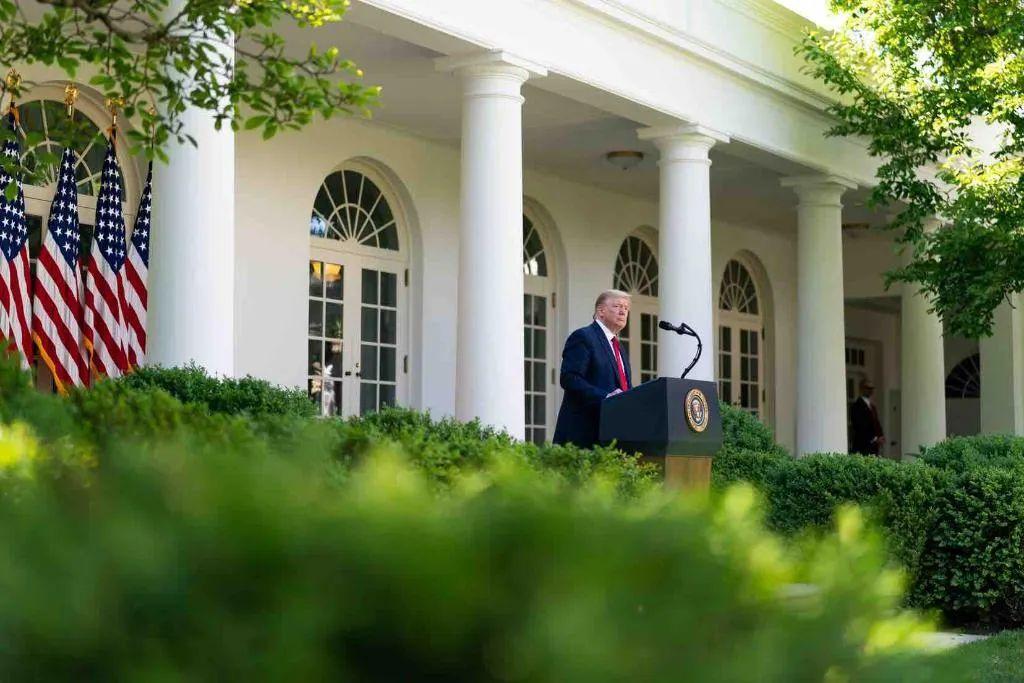 5月7日,特朗普在白宫发外国家祈祷日说话。/图片来自白宫推特
