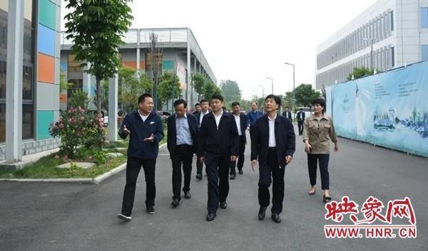 驻马店职业技术学院领导到西平县产业集聚区参观考察