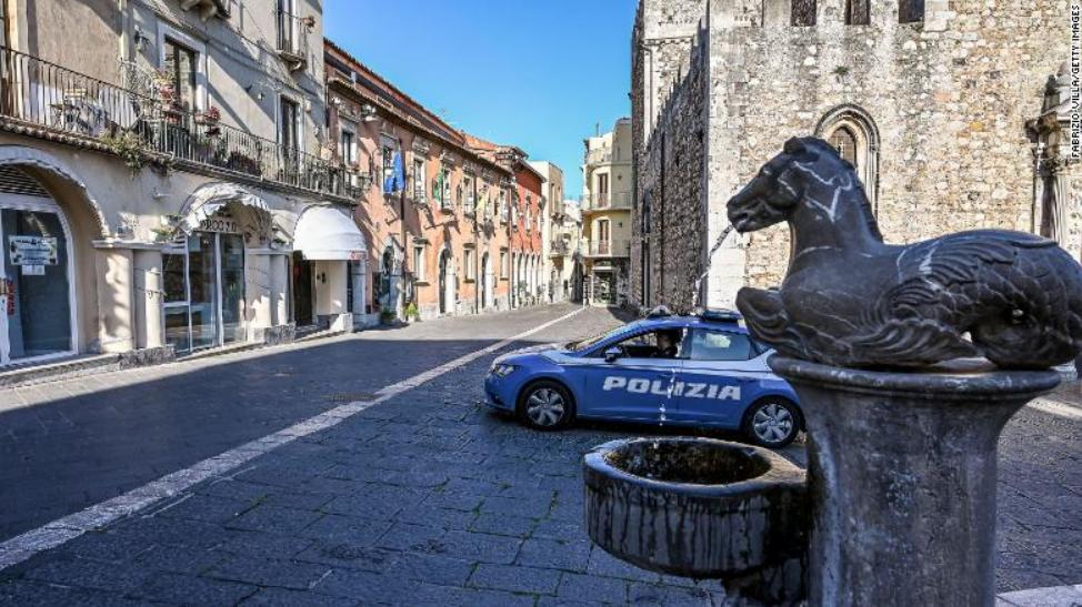 意大利街头原料图,图源:CNN