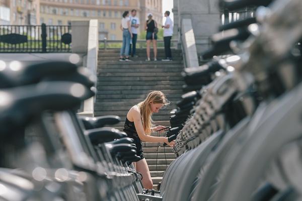 """生意井喷""""无车可卖"""":自行车出口火了,但快钱没口罩好赚"""