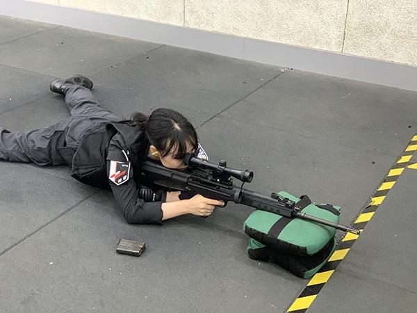 小可爱警花登顶沪上狙击之王:百米外73秒三枪全中