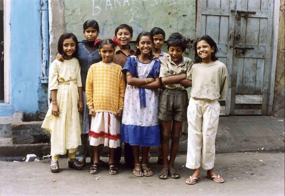 ▲8 个参加泽娜摄影班的小孩