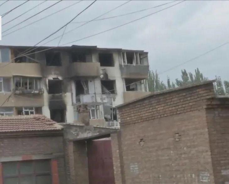 6月20日回民区清明大街沿河幼区20号楼一户居民家中发生爆炸。受访者供图