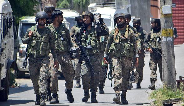 在斯里那加巡逻的印度武装部队 来源:社交媒体