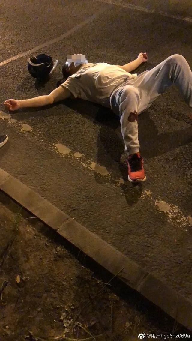 北京海淀南路22日晚路面塌陷一人受伤 现已恢复通车