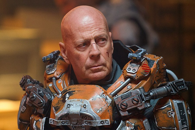 布鲁斯·威利斯新片要打外星人