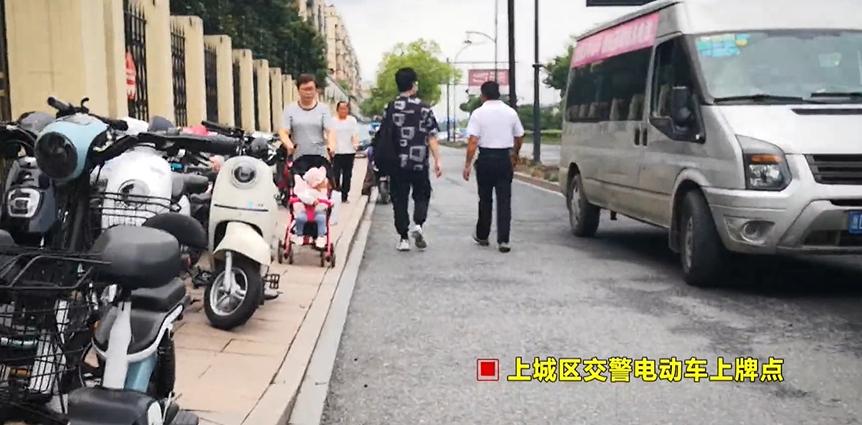 香港保安局局长:警队面对国家级对手可用飞虎队