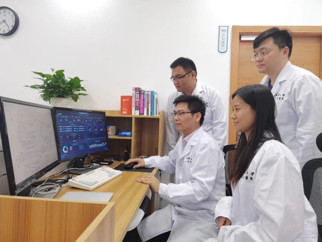 """武汉大学人民医院一项研究成果为全球新冠肺炎治疗提供""""中国方案"""""""