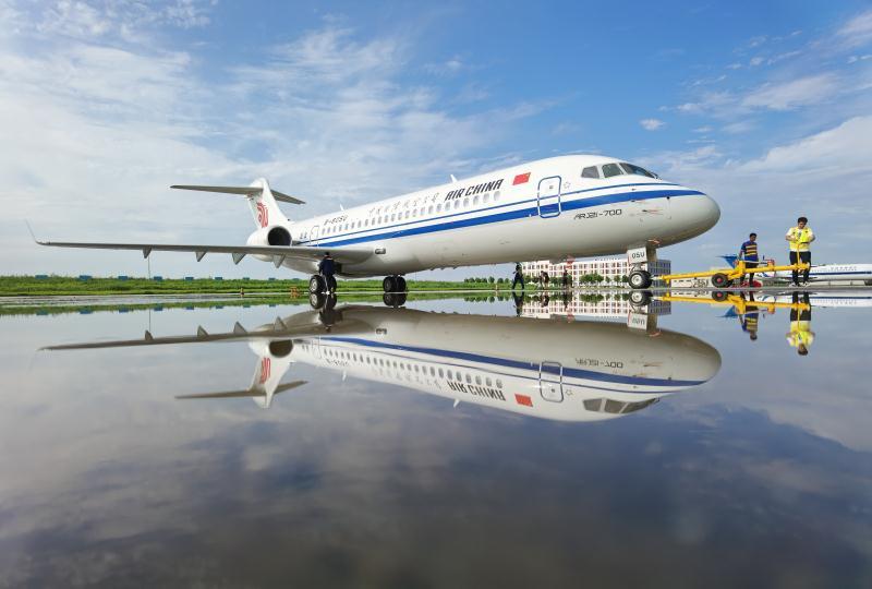 国航首架ARJ21飞机 徐炳南 摄