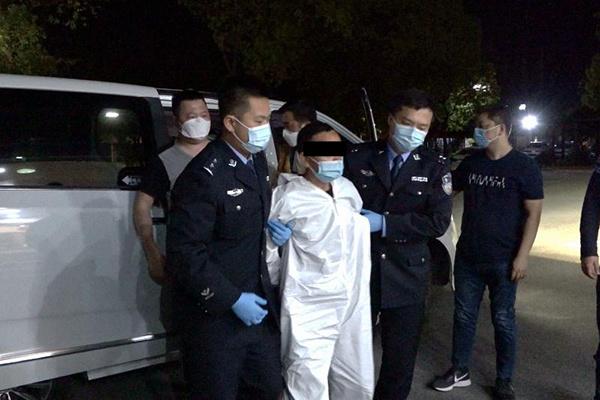 南浔警方破获18年前命案 嫌犯化名潜逃广东打零工