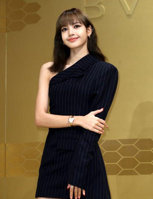YG回应LISA被前经纪人诈骗事件,双方达成偿还协议