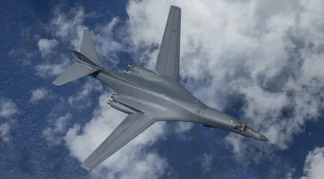 美军B-1B轰炸机原料图