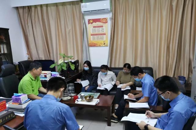 海南药品检验所所长任期独揽药品签发权 受贿378万