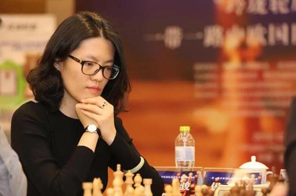 侯逸凡于一带一路中欧国际象棋精英赛中国站。(摄影:刘毅)