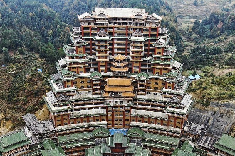 独山县400亿债务另两名关键人:鬼才建筑师与黑道老板